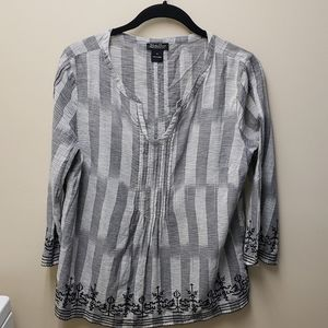 Lucky Brand Embroidered Top Sz Medium